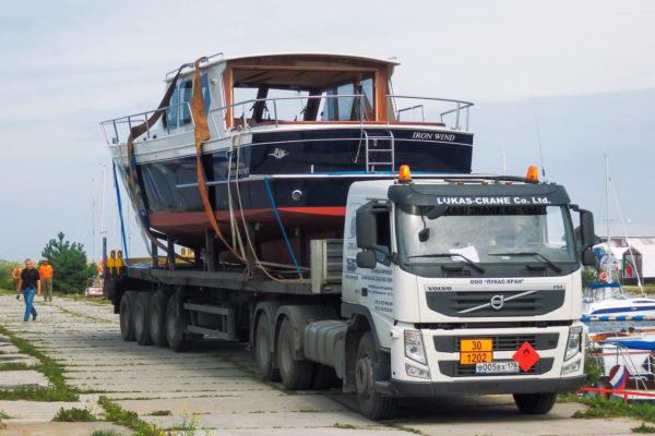 Транспортировка яхты Iron Wind