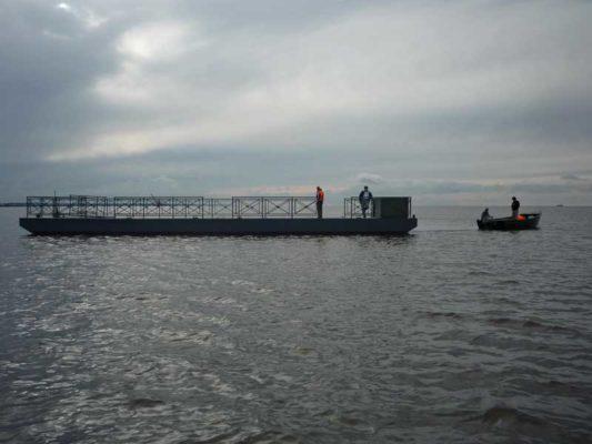Причал выведен для буксировки на место стоянки, используется лодка Iron Boat 630