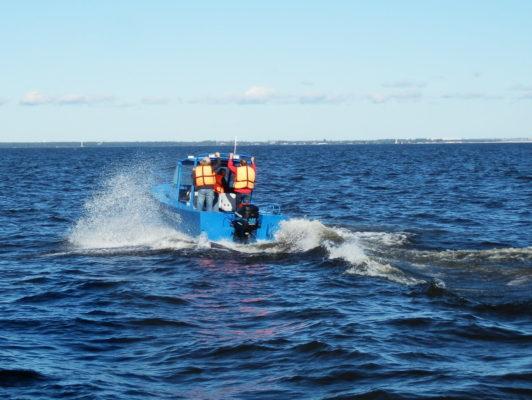 Iron Boat 700 глиссирует