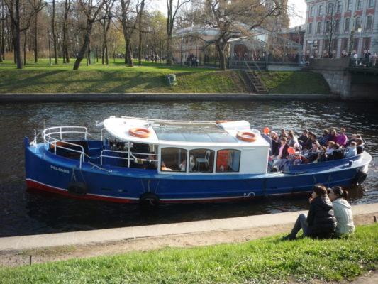 Экскурсионное пассажирское судно проекта Руска