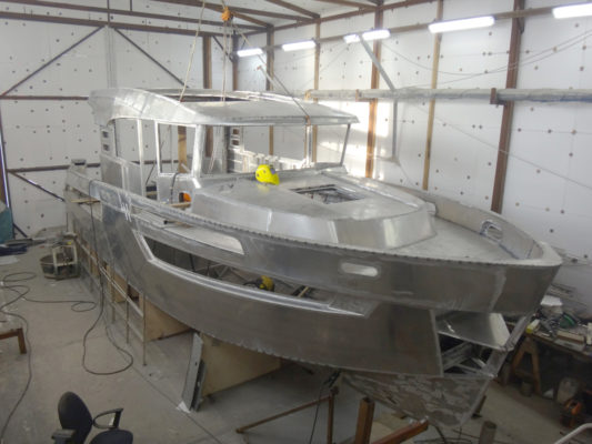 Сборка алюминиевого корпуса катера Sea Pride 1100