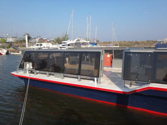 Остекление надстройки экскурсионного судна типа Мойка