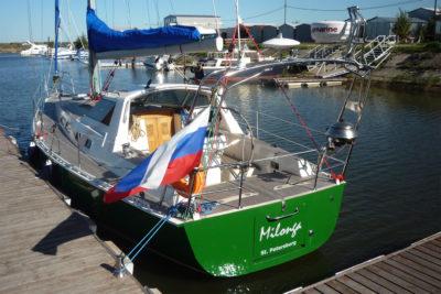 Яхта Milonga (Forna 37) привлекает внимание