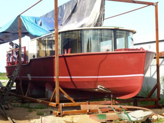 Экскурсионное пассажирское судно проекта РТ-1200 на стапеле