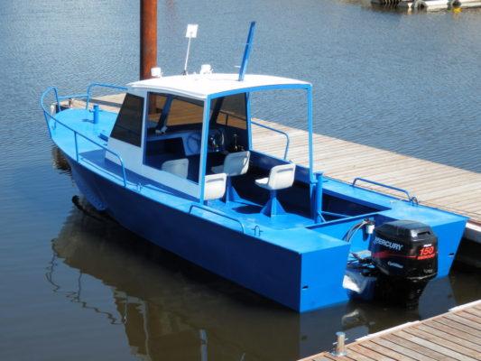 Iron Boat 700 с полурубкой