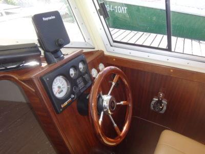 Рулевая консоль с приборами контроля Iron Boat 740