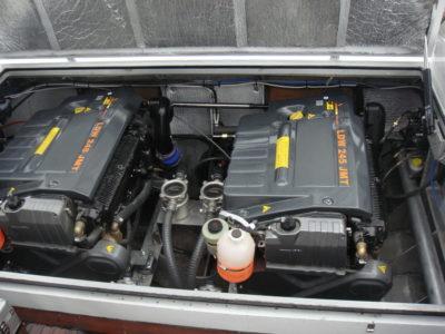 В машиноом отделении катера установлены два дизеля Lambordini LDW 245 JMT PP с угловыми колонками